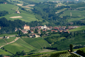 Barolo_-_view_from_La_Morra_in_Piemonte,_Italy